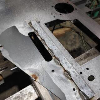 溶接、穴あけ、タップ加工 等の金属加工致します。