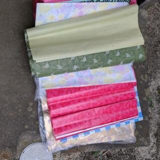和紙緑色の折り鶴柄、金色薔薇柄、赤ハート柄、黄色薔薇柄、ブルー&...