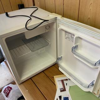 ミニ冷蔵庫の画像