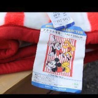 この柄の青色のミッキーマウスの毛布(ヨシムラさんが製造販売元)探...