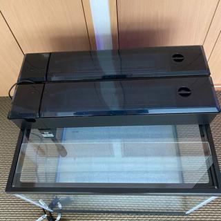 60x45X45水槽 上部フィルター二つ ガラス蓋