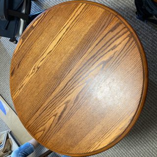 円形ダイニングテーブル