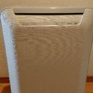 (只今商談中) 東芝 冷温風除湿乾燥機 2008年製 中古