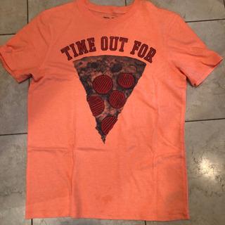 GAPの Tシャツにショートパンツつけます!