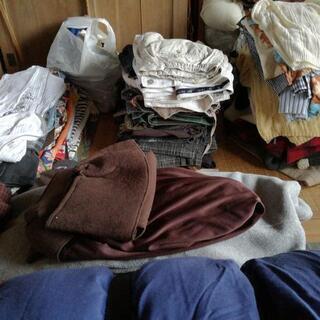 成人男性向け衣類 数十枚から100枚程度