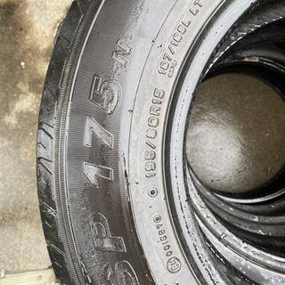 タイヤ ダンロップ 195/80R15 の画像