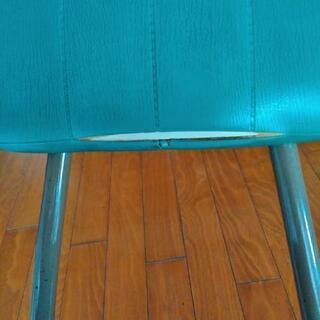 レトロな椅子  − 千葉県