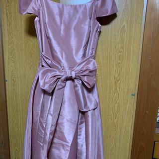 Jinesピンクリボンドレス、ファー付き