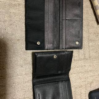 プラダの財布2つとおまけ付き