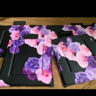 車 座布団 花柄 紫 Radyの画像