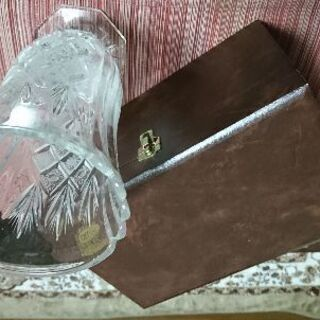 チェコ製のボヘミアグラス・クリスタルカットガラス花瓶