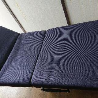 【新中古品】折り畳みベッド(リクライニング付き)