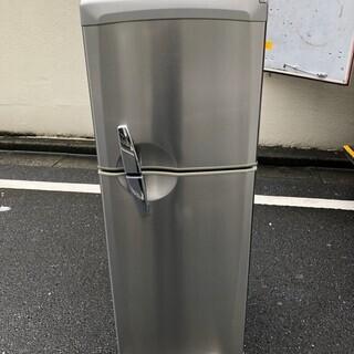三菱ノンフロン冷凍冷蔵庫 MR-T16M-T 2007年 シルバー