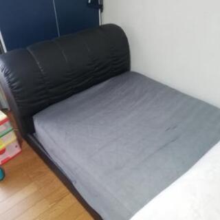 シングルベッド黒