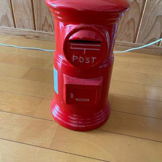 貯金箱、郵便ポスト型