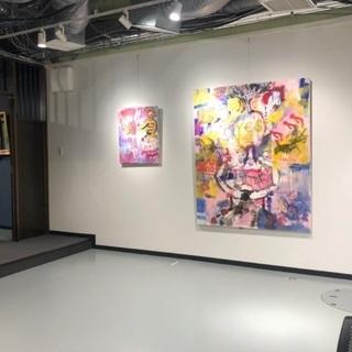 アートスタジオで、軽作業や、様々な事務など。