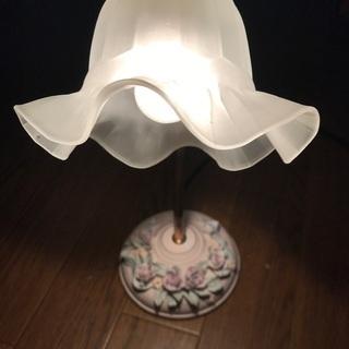 昭和レトロな雰囲気  洋風スタンドライト 花柄 ガラス