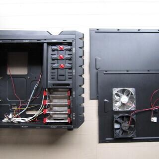 【中古】2つのファンコントローラー付パソコンケース
