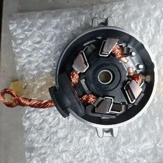 H18年式  VOXY のセルモーター用ブラシ