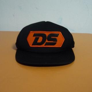 DS black CAP