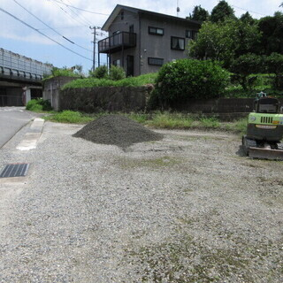 駐車場の補修工事。福岡便利屋。格安。ユンボ。不動産