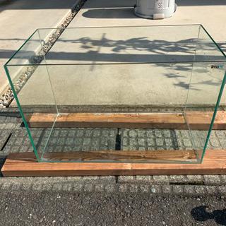 60cmガラス縁無し水槽・外部フィルター(エーハイム)