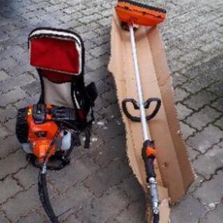 背負い型草刈り機