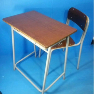 コクヨ 机と椅子