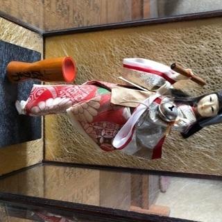 オルゴール付きひえつき人形
