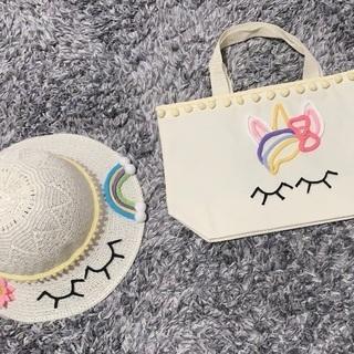 子供の帽子とバッグ