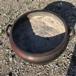 希少 古い大きな唐金火鉢(青銅)灰付き 引き取りで。