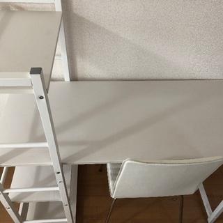 机、椅子のセットです!