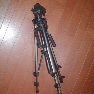 カメラ三脚   LPL VIDEO TRIPOD TV-100G