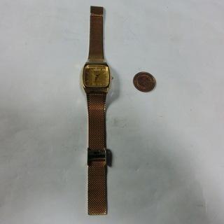 ★珍しい★リコーの腕時計ゴールドカラー動作中、特に目立つキズなく...