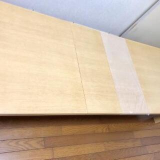 延びるテーブル - 家具