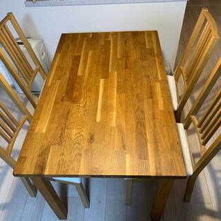 IKEA ダイニングテーブル+チェア4脚の画像