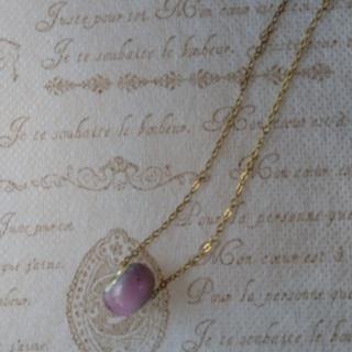 ガラス玉(ピンク)一粒のネックレス