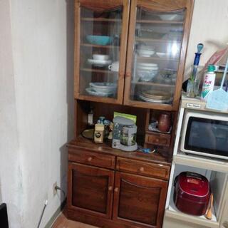 食器棚 中サイズ きれです