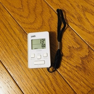【美品】citizen デジタル歩数計 peb ホワイト