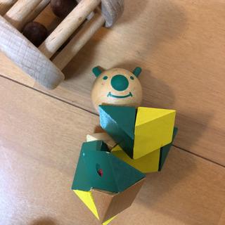 木製おもちゃ ガラガラ いも虫