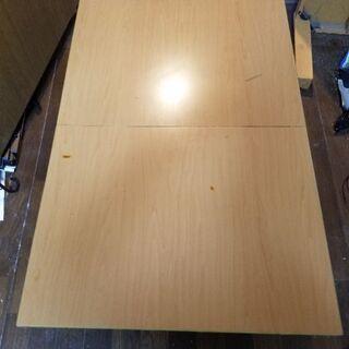 サイズを変えれるテーブル