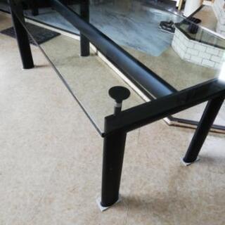 ル・コルビジェ ガラステーブル