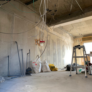 DIY、畳から洋室リフォーム工事(壁紙、塗装など)多能工事者急募!!