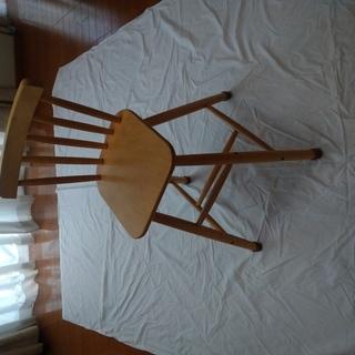 IKEAの子供用の椅子