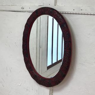 革製フレームの壁掛け鏡