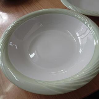 新品 深めのお皿2枚セット