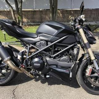 DUCATI ストリートファイター 848 オートバイ バイク ...