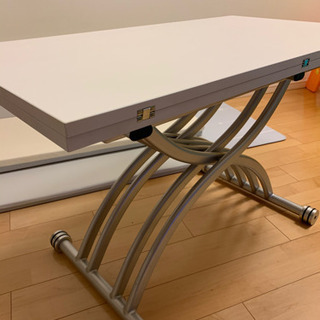 天板が2倍になる昇降式テーブル