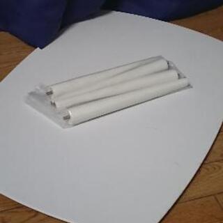 イオン 白テーブル 四つ足