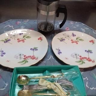 USED 紅茶ポットとケーキ皿と未使用スプーン、フォークセット ...